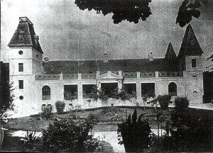 Régi fotó a kastélyról a kert felől