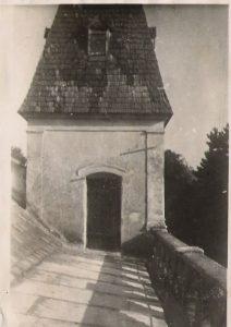 A kastély egyik tornya
